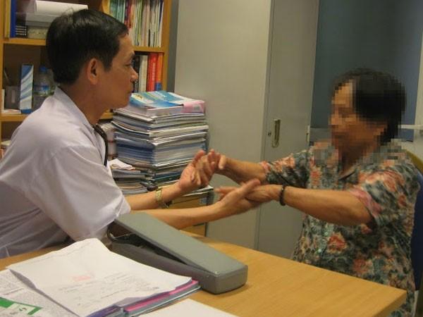 Lạm dụng corticoid chữa bệnh xương khớp, có thể teo cơ ảnh 1