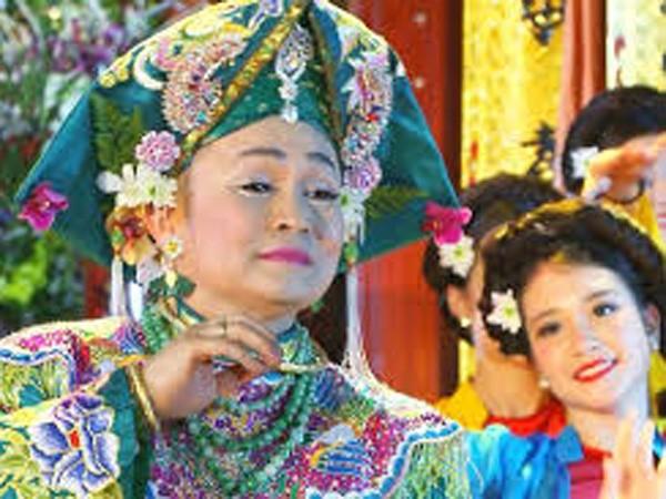Nghe Xuân Hinh hát chầu văn trên… Youtube ảnh 1