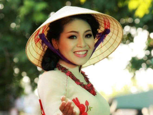 Quang Linh góp mặt trong liveshow của Anh Thơ ảnh 1