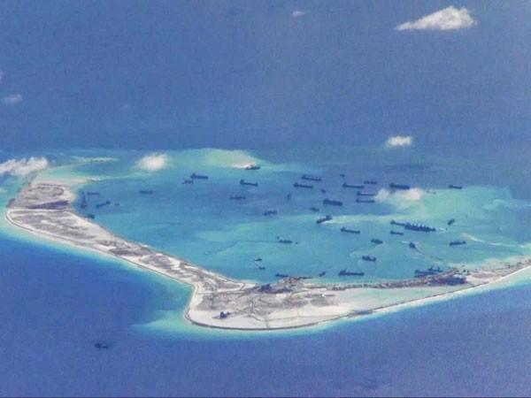 """Trung Quốc đang """"gặm nhấm"""" dần Biển Đông"""
