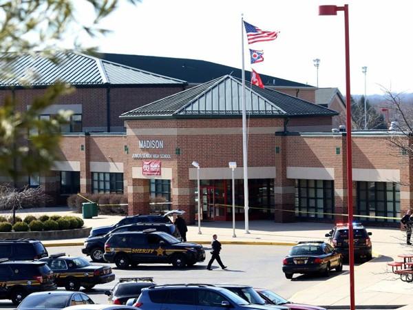 Mỹ: Nam sinh 14 tuổi xả súng ở trường học ảnh 1