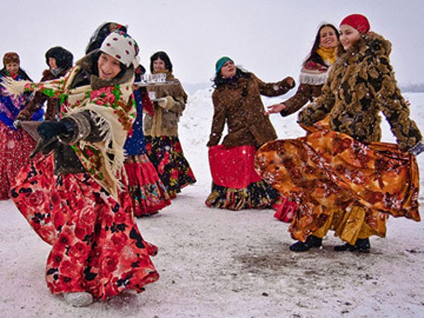 Lễ hội tiễn mùa đông ảnh 1