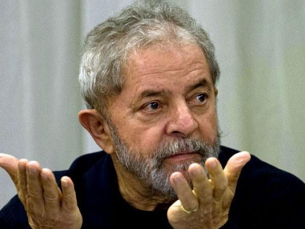 Cựu Tổng thống Brazil bị thẩm vấn vì nghi tham nhũng ảnh 1