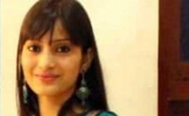 Sheena Bora, nạn nhân của vụ giết người đốt xác mà thủ phạm chính là mẹ ruột của cô
