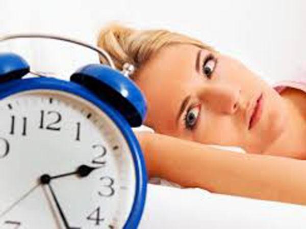 Ngủ quá ít, quá nhiều đều hại tim ảnh 1