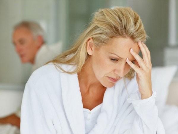 Mãn kinh sớm làm giảm chất lượng cuộc sống ở những phụ nữ trẻ