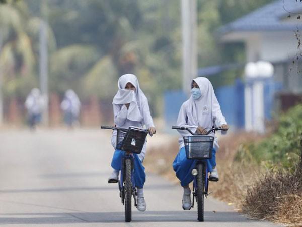 Malaysia đóng cửa nhiều trường học do nắng nóng ảnh 1