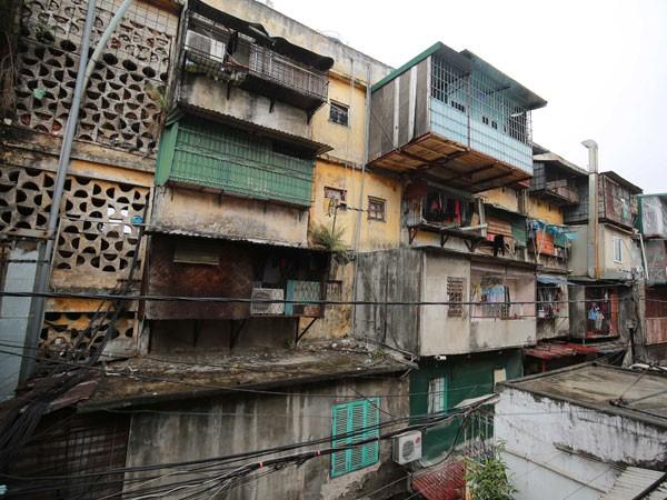 Di dời dân khỏi các chung cư nguy hiểm: Làm hết trách nhiệm vì sự an toàn của người dân ảnh 1