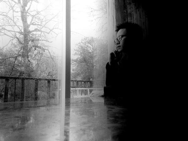 """Tác giả Huy Hải: """"Không có gì sai nếu thỉnh thoảng cô đơn"""""""