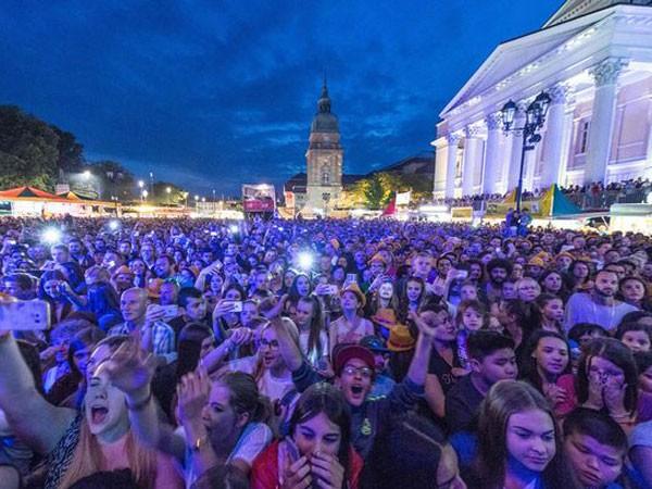 Lễ hội âm nhạc Schlossgrabenfest thu hút hàng trăm nghìn người tham gia