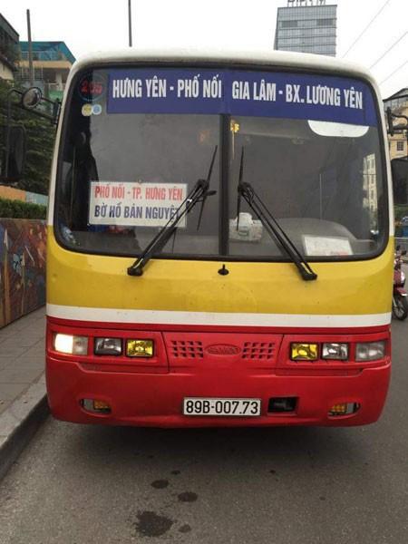 Một chiếc xe buýt nhái chạy tuyến Hà Nội - Hưng Yên bị Đội CSGT số 1 phát hiện, xử lý
