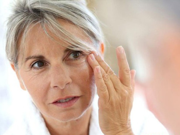 Những dưỡng chất bảo vệ mắt khi về già