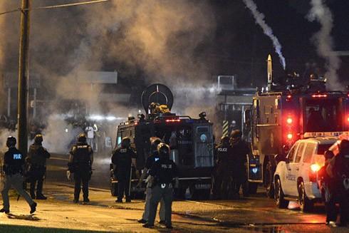 Triển khai Lực lượng Vệ binh Quốc gia để dẹp bạo loạn ảnh 1