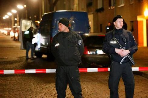 Cảnh sát Đức bắn chết kẻ chống trả