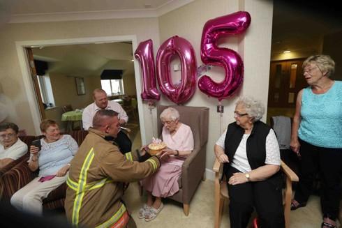 Sinh nhật như mơ của cụ bà 105 tuổi