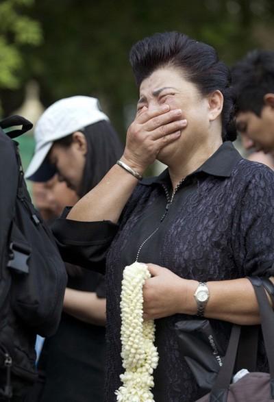 Thế giới gửi lời chia buồn tới Thái Lan ảnh 2
