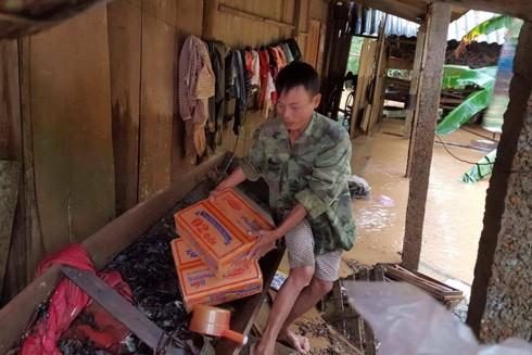 Cuộc sống của người dân ở Phương Mỹ, Hương Khê, Hà Tĩnh bị đảo lộn trong mưa lũ