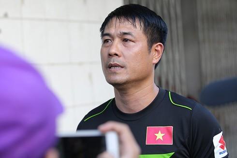 - PV: Thưa ông, điều kiện sinh hoạt, tập luyện tại Yangon có gây bất lợi gì cho các cầu thủ không?