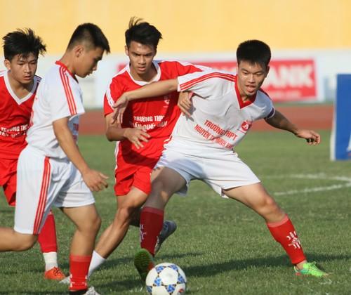 THPT Trần Quốc Tuấn đăng quang 3 lần trên sân Hàng Đẫy ảnh 3