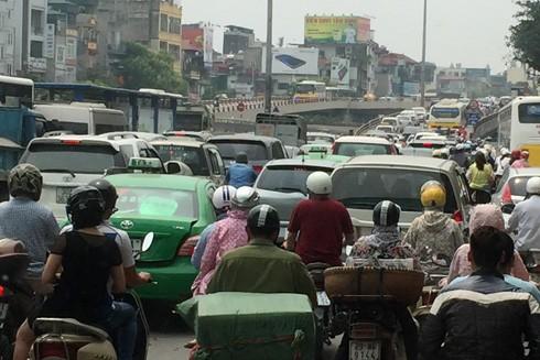 Hà Nội sẽ không còn đường đi nếu không kiểm soát phương tiện cá nhân