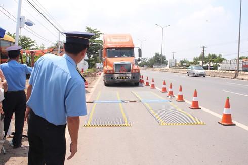 Thanh tra Sở GTVT tỉnh Đồng Nai: Xử lý triệt để xe quá tải, bến không phép ảnh 1