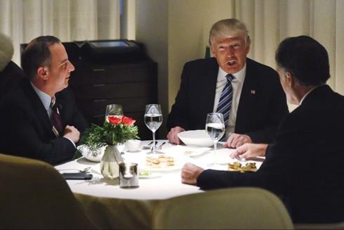 """""""Bữa tối dưới ánh nến"""" với tân Tổng thống Mỹ giá triệu USD"""
