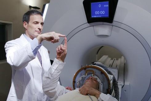 Bệnh nhân Parkinson có thể được chữa khỏi bằng máy siêu âm mới ảnh 1