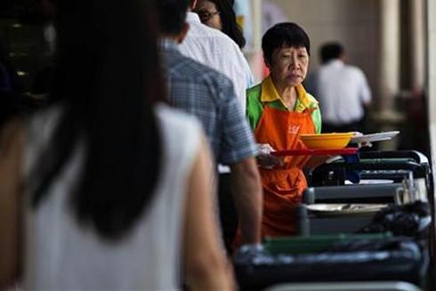 Singapore giúp người nghỉ hưu tiếp tục làm việc ảnh 1