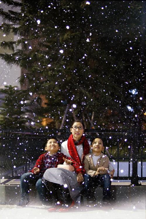 Vượt qua những khác biệt về văn hóa, lễ Giáng sinh đã trở thành một phần trong đời sống người Hà Nội