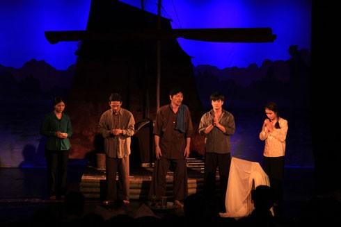 Phép thử với sân khấu Việt từ các vở diễn đoạt huy chương ảnh 2