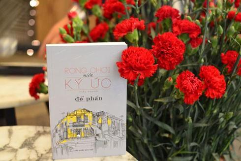 Cuốn sách mới ra mắt của nhà văn Đỗ Phấn