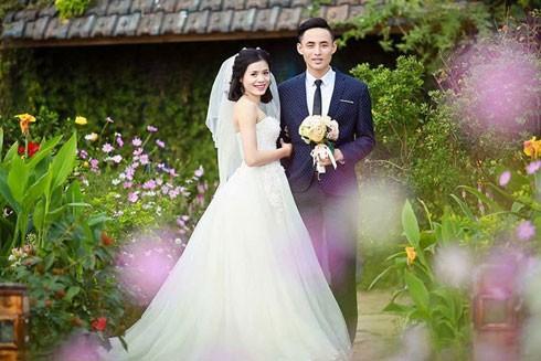 Người đẹp điền kinh Nguyễn Thị Huyền hạnh phúc bên chàng trai Phạm Quỳnh