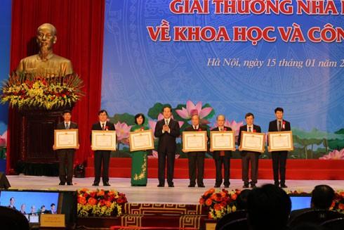 Thành tựu khoa học - công nghệ Việt Nam đã giải quyết những vấn đề bức xúc ảnh 1
