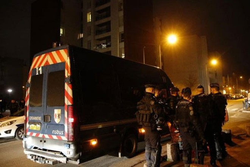 Hàng chục người bị bắt sau đêm bạo động thứ tư ở Paris ảnh 1