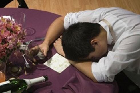 Nguyên tắc vàng tránh ngộ độc rượu