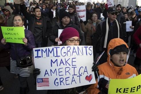 Mỹ đẩy nhanh kế hoạch trục xuất người nhập cư trái phép ảnh 1