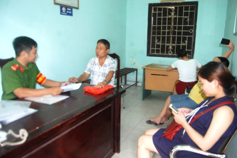 Người dân trên địa bàn các phường Đại Kim, Thịnh Liệt, Hoàng Liệt và Định Công đã hỗ trợ, giúp đỡ lực lượng Công an trong các phong trào, kế hoạch đảm bảo ANTT
