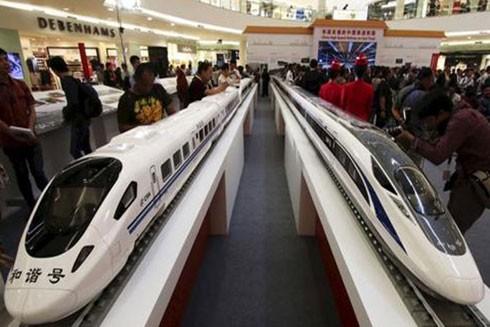 Trung Quốc giới thiệu mẫu tàu tốc độ cao của dự án đường sắt kết nối Thủ đô Bangkok, Thái Lan với miền Nam Trung Quốc