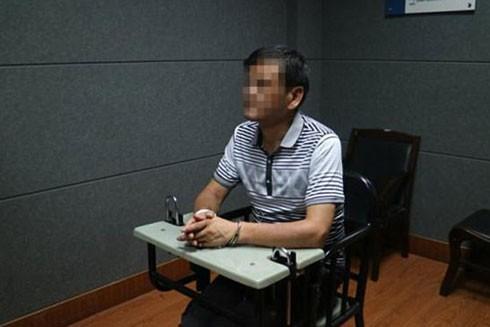 """""""Bí mật tội ác"""" bị che giấu 22 năm của nhà văn nổi tiếng Trung Quốc ảnh 1"""
