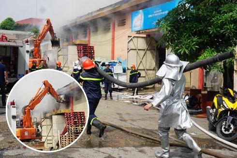 Sau vụ cháy lớn, tổng rà soát các kho hàng tại Cảng Hà Nội ảnh 1
