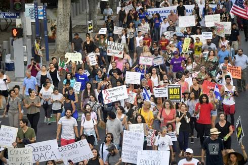 Bãi bỏ chương trình nhập cư DACA - nước Mỹ không còn là đất hứa ảnh 1
