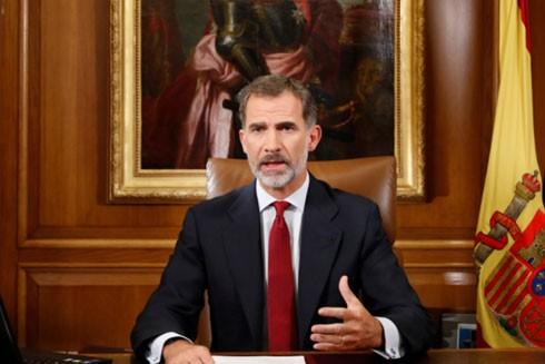 """Nhà vua Tây Ban Nha tìm cách ngăn """"cơn bão"""" ly khai ảnh 1"""
