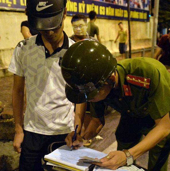 Đêm đầu tiên thực hiện Mệnh lệnh 01 của Giám đốc CATP Hà Nội: Tiền đề cho thế trận phòng ngừa bền vững ảnh 1