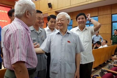 Tổng Bí thư Nguyễn Phú Trọng tiếp xúc cử tri 2 quận Ba Đình, Tây Hồ (Hà Nội)