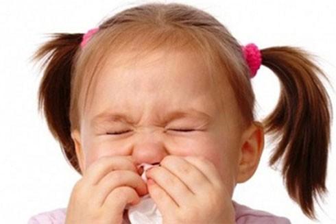 Đề phòng những bệnh nguy hiểm cho trẻ khi trời lạnh ảnh 1