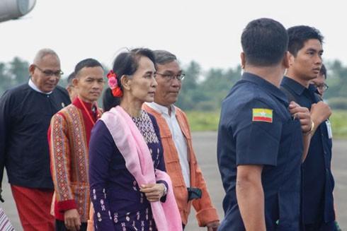 Cố vấn Nhà nước Myanmar lần đầu thị sát bang Rakhine