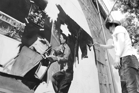 Ký ức nghệ thuật hồi sinh trong bức tranh đa sắc cho phố Gầm Cầu - Phùng Hưng ảnh 1