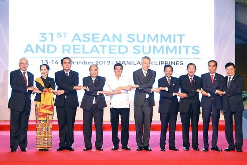 Thủ tướng Nguyễn Xuân Phúc và lãnh đạo các nước ASEAN. Ảnh: VGP