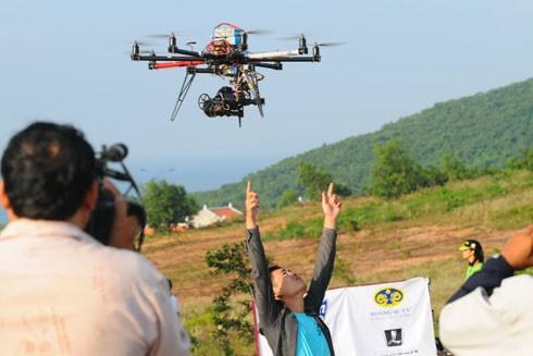 Cần nắm rõ quy định pháp luật khi sử dụng thiết bị bay không người lái ảnh 1