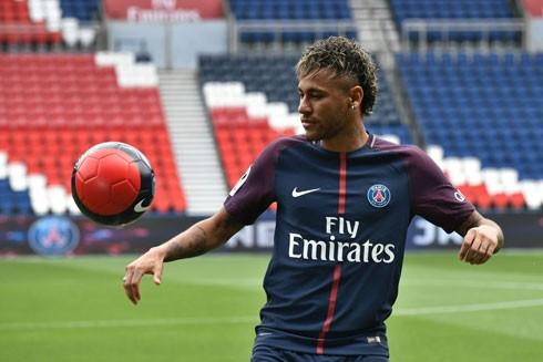 Những bất ổn của Neymar tại Paris